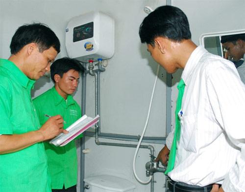 Thợ sửa điện chuyên nghiệp